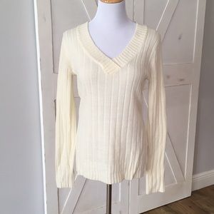 Guess Cream V-Neck  Sweater